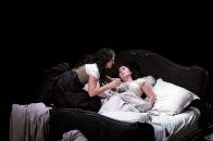 La Traviata de Verdi en el Gran Teatre Liceu de Barcelona Miren Urbieta Vega (Annina) Elena Mosuc (Violetta)