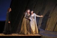 La Favorite de Donizetti en Gran Teatre Liceu. Daniella Barcellona (Leonor), Stephen Costello (Fernand), Miren urbieta-Vega (Inez)